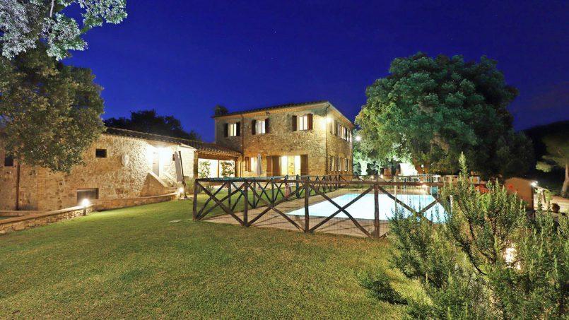 Hillside stone built Villa Insieme XII Tuscany Siena 52
