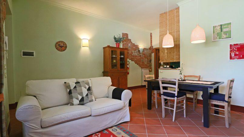 Hillside stone built Villa Insieme XVI Tuscany Siena 7-1