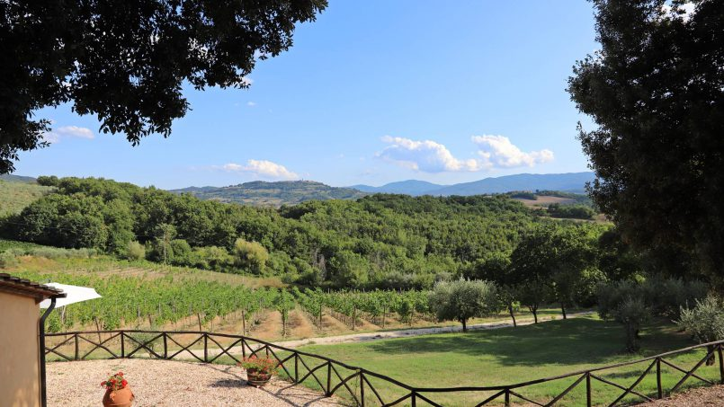 Hillside stone built Villa Insieme XII Tuscany Siena 12