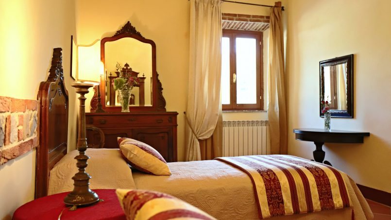 Hillside stone built Villa Insieme XII Tuscany Siena 25
