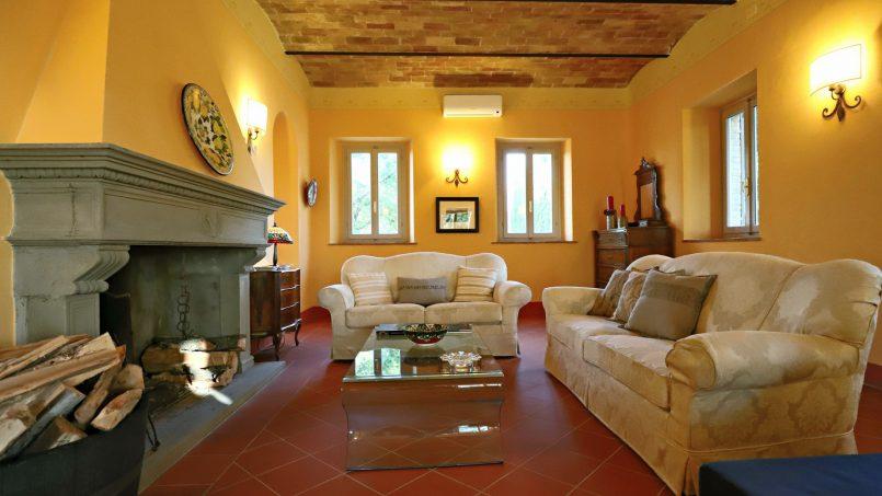Hillside stone built Villa Insieme XII Tuscany Siena 57