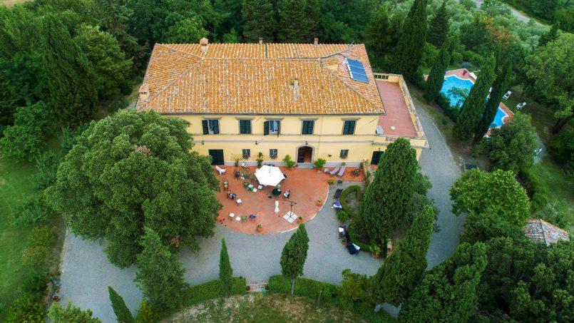 Elegant hillside Villa Val d'Orcia Tuscany Siena Radicondoli 1