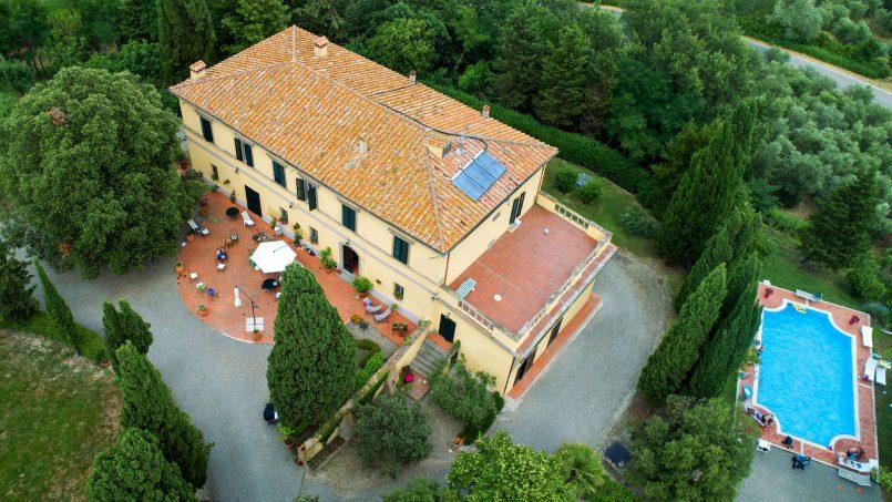 Elegant hillside Villa Val d'Orcia Tuscany Siena Radicondoli 02