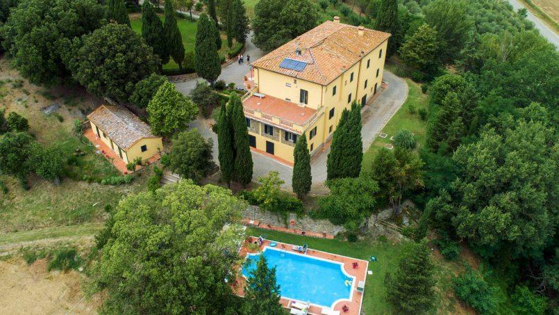 Elegant hillside Villa Val d'Orcia Tuscany Siena Radicondoli 04