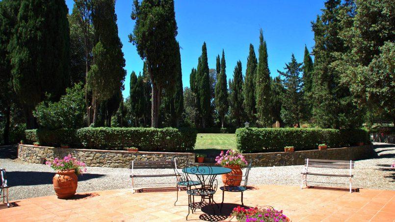 Elegant hillside Villa Val d'Orcia Tuscany Siena Radicondoli 11