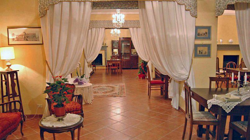 Elegant hillside Villa Val d'Orcia Tuscany Siena Radicondoli 27