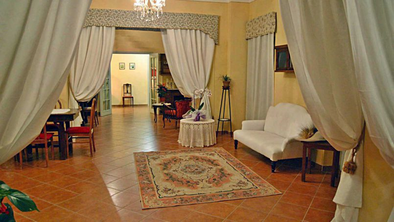 Elegant hillside Villa Val d'Orcia Tuscany Siena Radicondoli 28