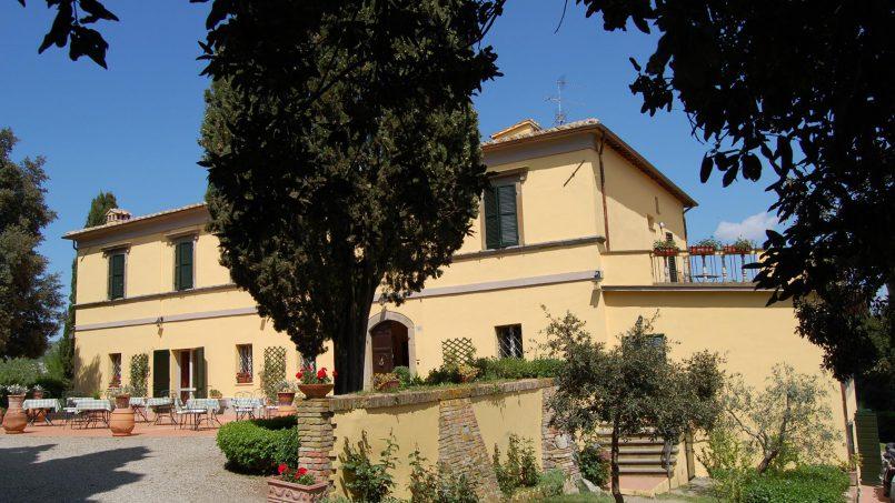 Elegant hillside Villa Val d'Orcia Tuscany Siena Radicondoli 3