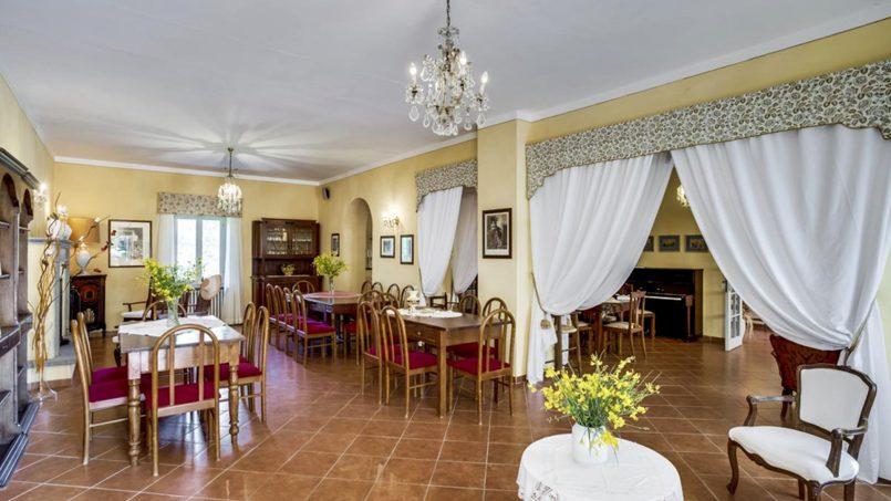 Elegant hillside Villa Val d'Orcia Tuscany Siena Radicondoli 31