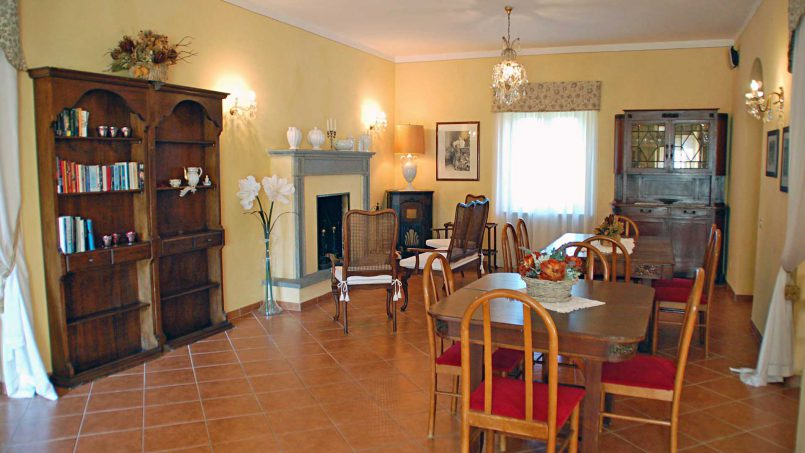 Elegant hillside Villa Val d'Orcia Tuscany Siena Radicondoli 33