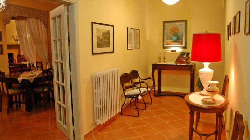 Elegant hillside Villa Val d'Orcia Tuscany Siena Radicondoli 34
