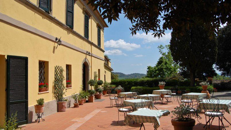 Elegant hillside Villa Val d'Orcia Tuscany Siena Radicondoli 4