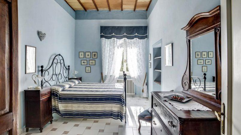 Elegant hillside Villa Val d'Orcia Tuscany Siena Radicondoli 45