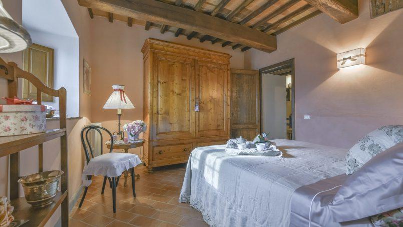 Hillside country house Villa il Roseto Tuscany Casalguidi 10