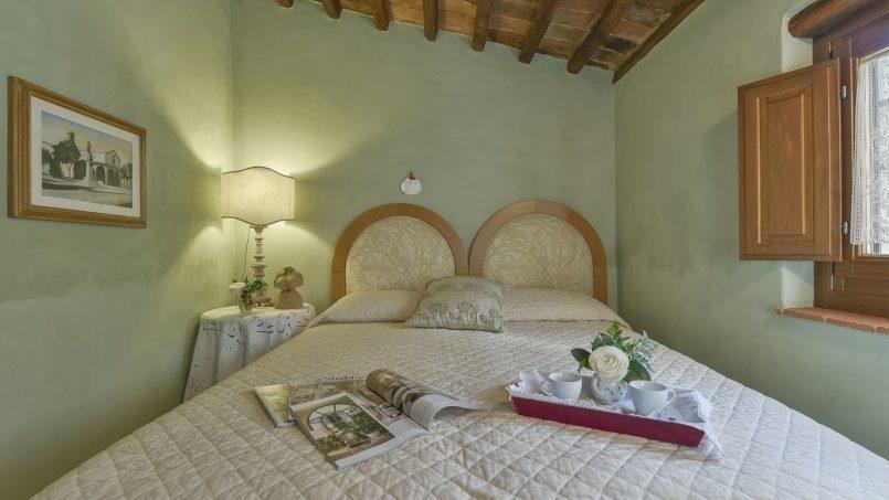 Hillside country house Villa il Roseto Tuscany Casalguidi 14