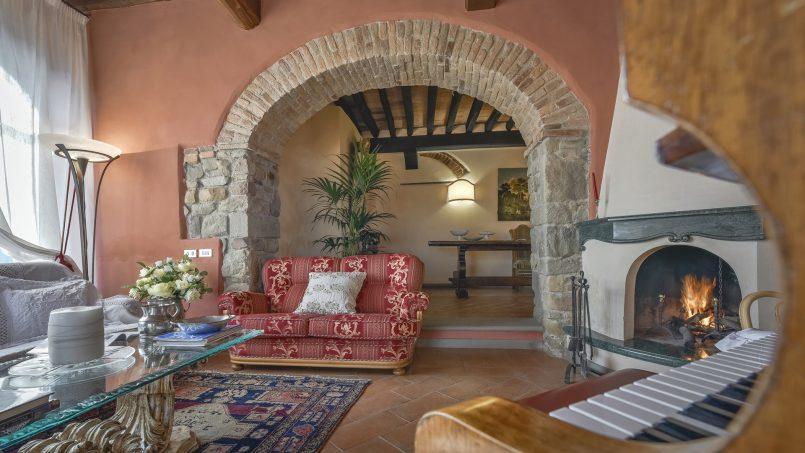 Hillside country house Villa il Roseto Tuscany Casalguidi 16