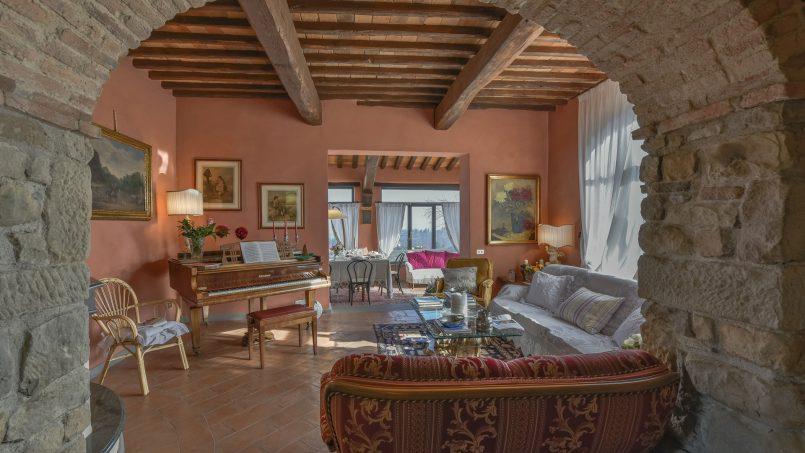 Hillside country house Villa il Roseto Tuscany Casalguidi 2
