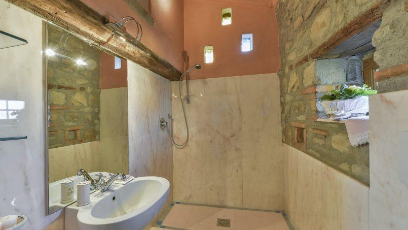 Hillside country house Villa il Roseto Tuscany Casalguidi 22