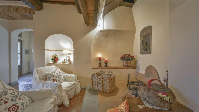 Hillside country house Villa il Roseto Tuscany Casalguidi 29