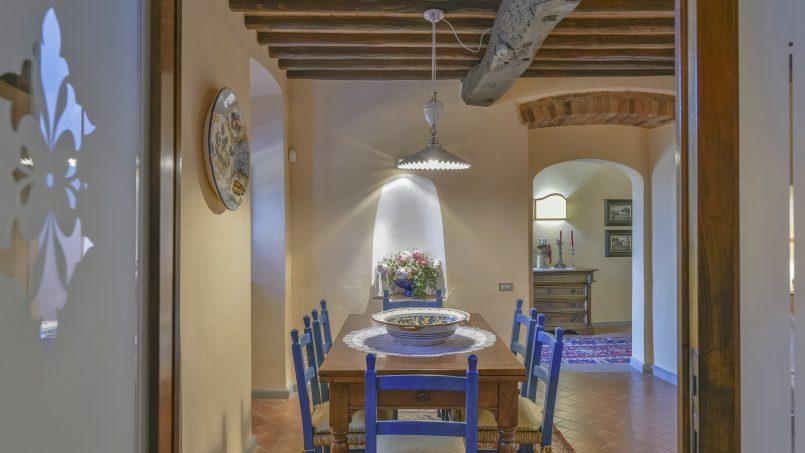 Hillside country house Villa il Roseto Tuscany Casalguidi 3