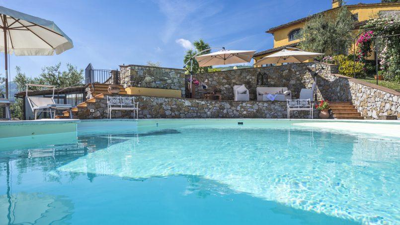 Hillside country house Villa il Roseto Tuscany Casalguidi 37