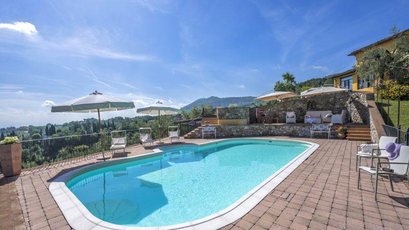 Hillside country house Villa il Roseto Tuscany Casalguidi 39