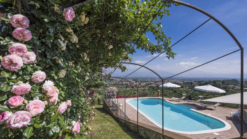 Hillside country house Villa il Roseto Tuscany Casalguidi 42