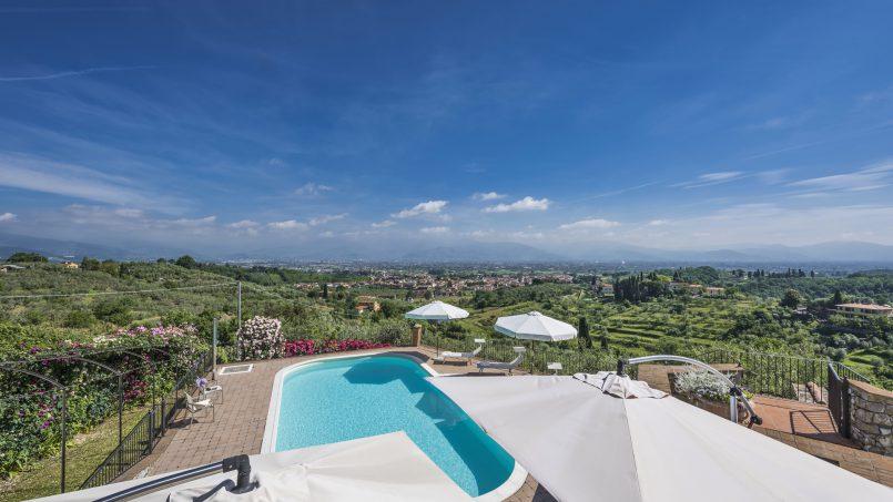 Hillside country house Villa il Roseto Tuscany Casalguidi 43
