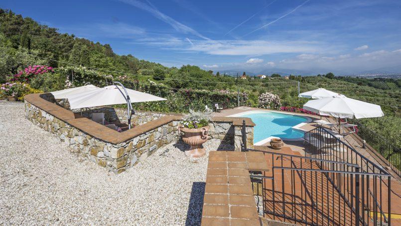 Hillside country house Villa il Roseto Tuscany Casalguidi 44