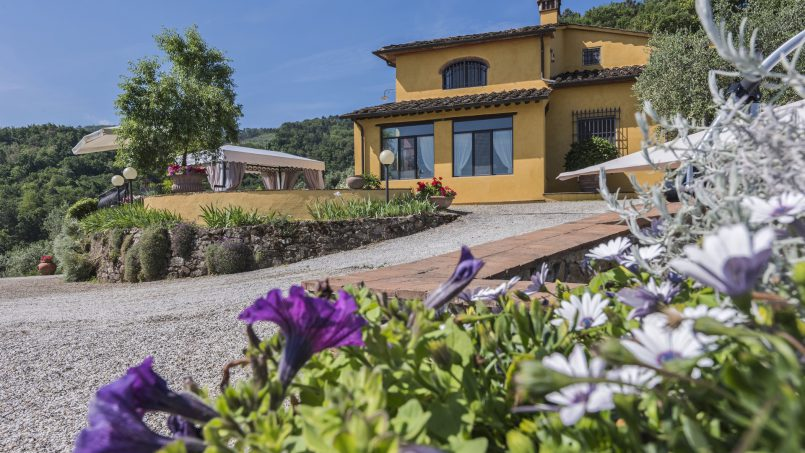 Hillside country house Villa il Roseto Tuscany Casalguidi 45