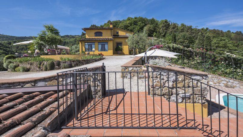 Hillside country house Villa il Roseto Tuscany Casalguidi 49