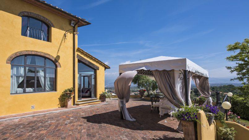 Hillside country house Villa il Roseto Tuscany Casalguidi 55