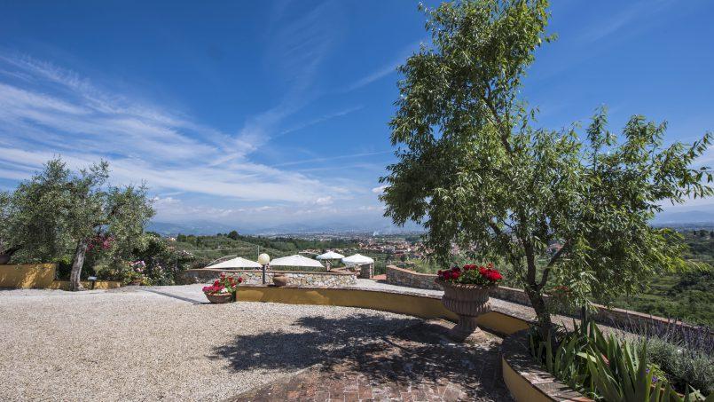 Hillside country house Villa il Roseto Tuscany Casalguidi 56