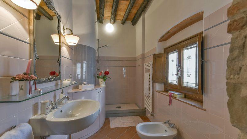 Hillside country house Villa il Roseto Tuscany Casalguidi 7