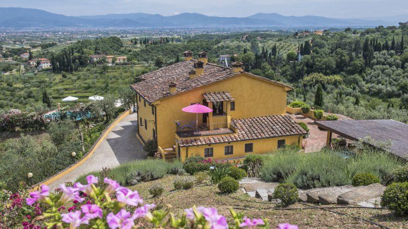 Hillside country house Villa il Roseto Tuscany Casalguidi 70