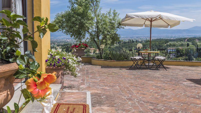 Hillside country house Villa il Roseto Tuscany Casalguidi 71