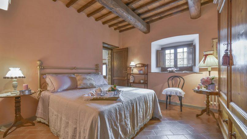 Hillside country house Villa il Roseto Tuscany Casalguidi 9