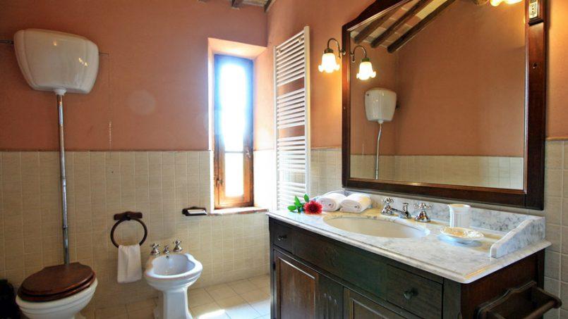 Stone farmhouse Villa Montebello Tuscany Montalcinello 100