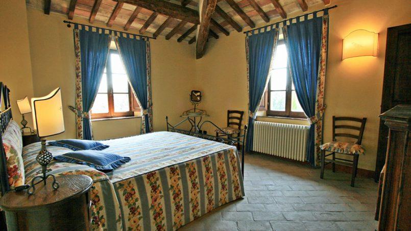 Stone farmhouse Villa Montebello Tuscany Montalcinello 102