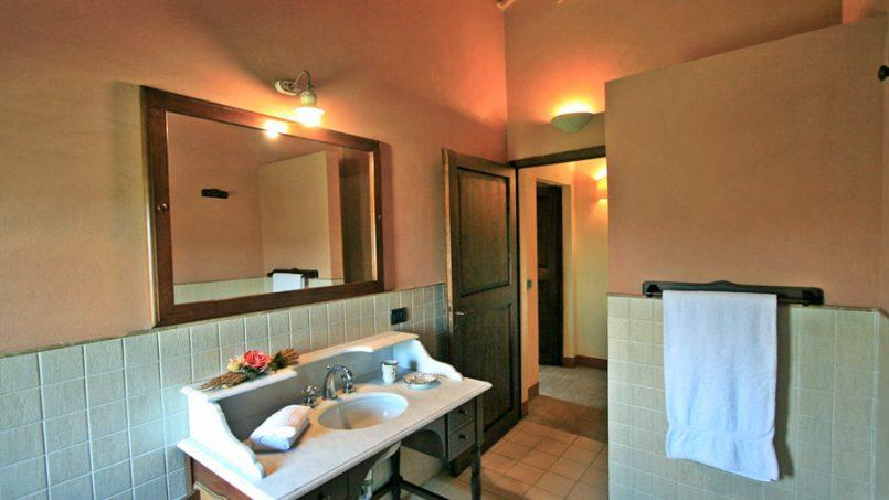 Stone farmhouse Villa Montebello Tuscany Montalcinello 110