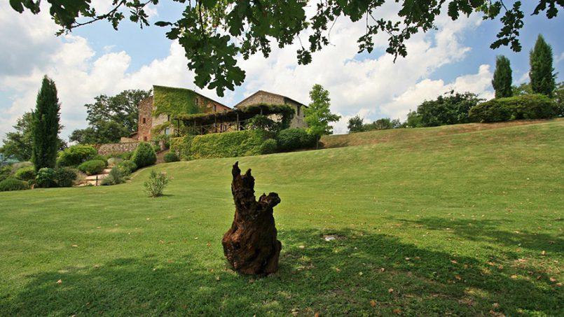 Stone farmhouse Villa Montebello Tuscany Montalcinello 16