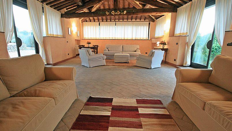 Stone farmhouse Villa Montebello Tuscany Montalcinello 3