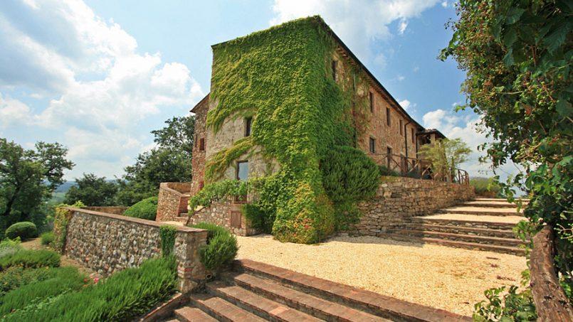 Stone farmhouse Villa Montebello Tuscany Montalcinello 42