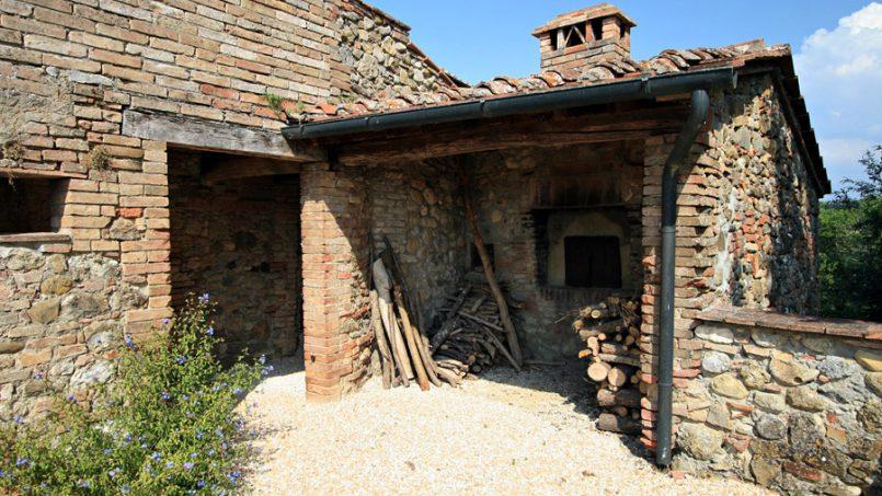 Stone farmhouse Villa Montebello Tuscany Montalcinello 48