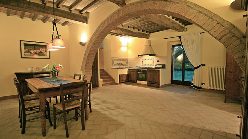 Stone farmhouse Villa Montebello Tuscany Montalcinello 5