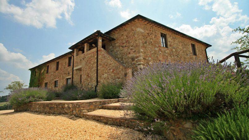 Stone farmhouse Villa Montebello Tuscany Montalcinello 54