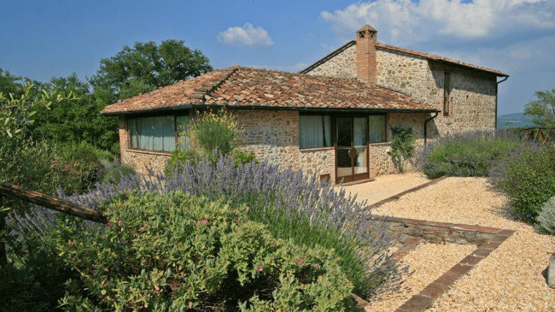 Stone farmhouse Villa Montebello Tuscany Montalcinello 55