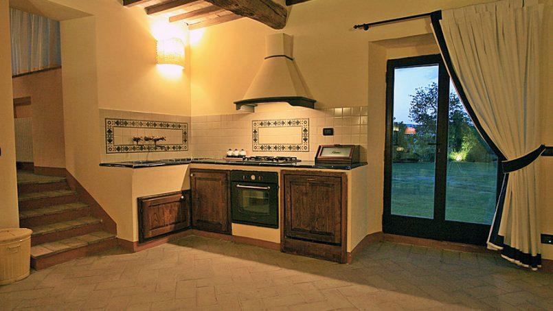Stone farmhouse Villa Montebello Tuscany Montalcinello 6