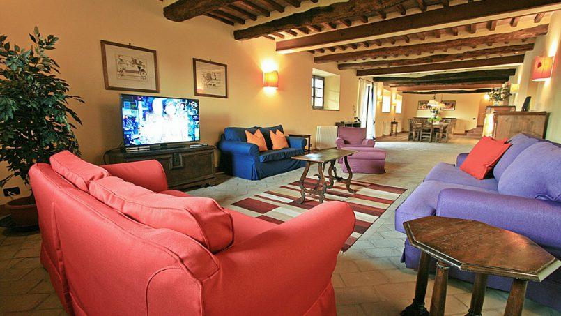 Stone farmhouse Villa Montebello Tuscany Montalcinello 68