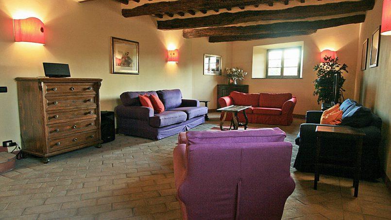 Stone farmhouse Villa Montebello Tuscany Montalcinello 69